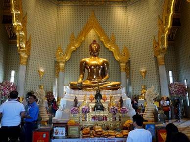 The Golden Buddha Statue - Sprachreisen nach Bangkok