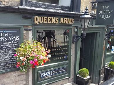 Traditionelles Pub in Edinburgh,Business Englisch Sprachreise Schottland