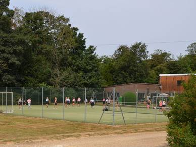 Sportplatz der Sprachschule Moreton Hall, Cambridge