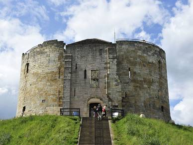 Clifford's Tower York, Business Sprachreisen nach England