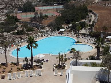 Poollandschaft Hotel Salini, Sprachreisen St. Julians