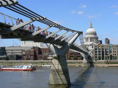 Millennium Bridge, Englisch Sprachreisen London City Oxford Street