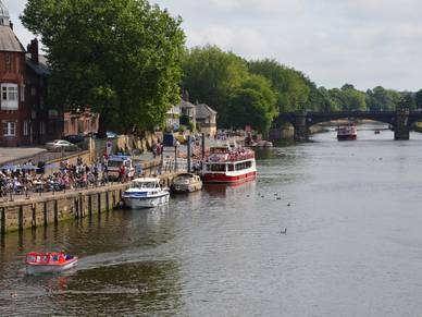 Riverwalk in York, Business Englisch Sprachreisen nach England
