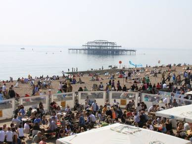 Strandbar in Brighton, Business Englisch Sprachreisen England